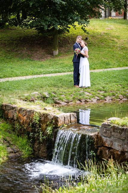 svatební fotografie: park Javorka, Česká Třebová