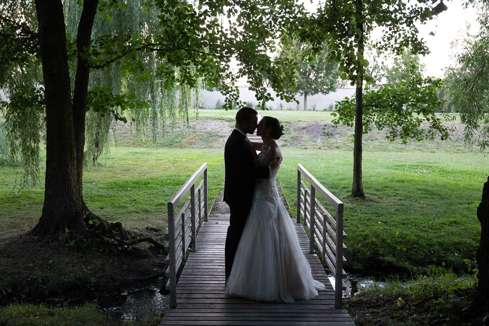 Rámování kompozice svatební fotografie