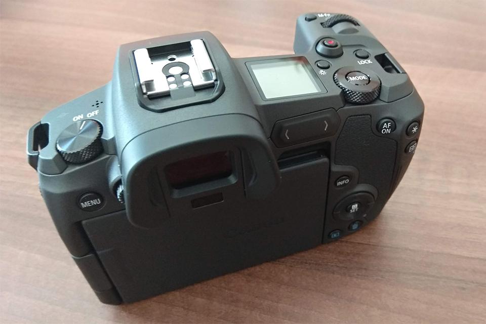 CSC Canon EOS R