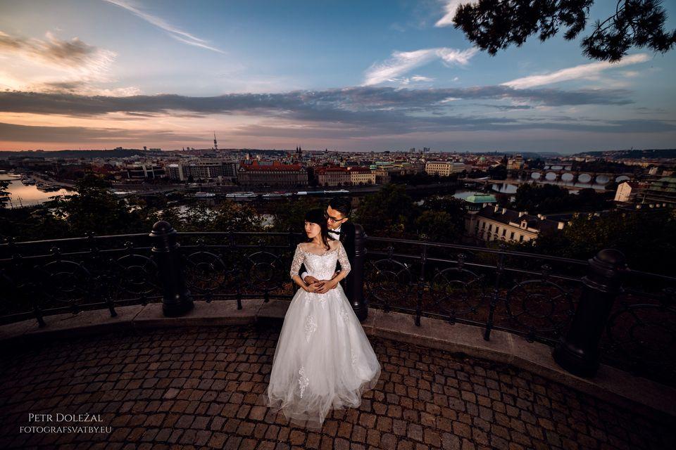 Sunrise from Letna Park in Prague - PreWedding Pictures