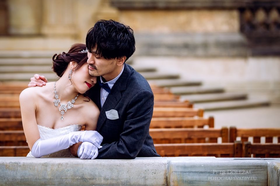 Pre-Wedding Photography in Prague Wallenstein Garden