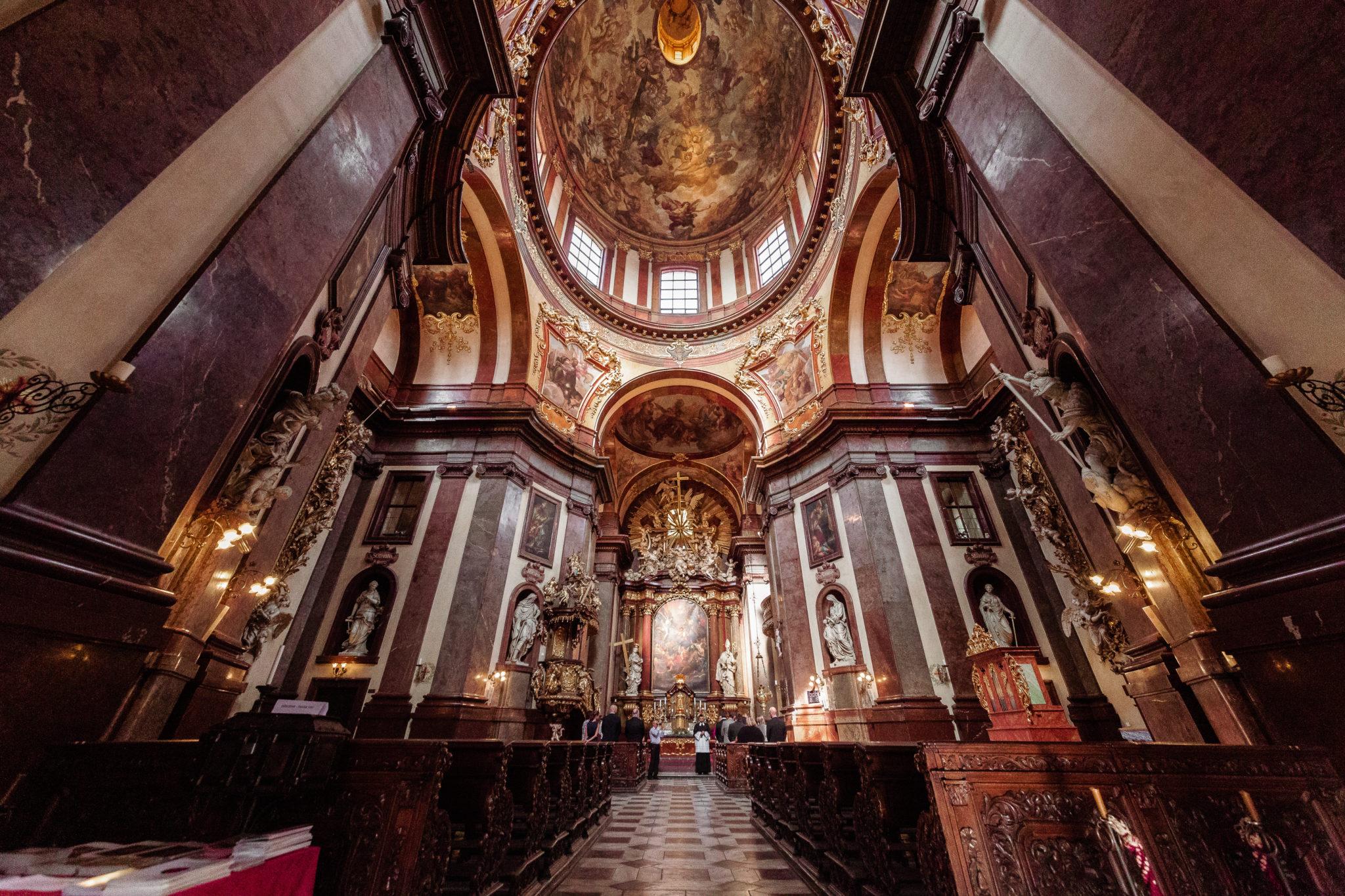 Fotografování křtin v kostele sv. Františka z Assisi