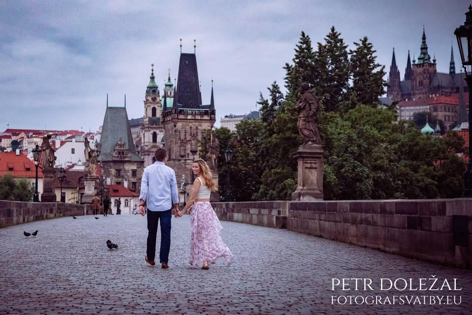 Pre Wedding on Charles Bridge - view to the side of Lesser Town