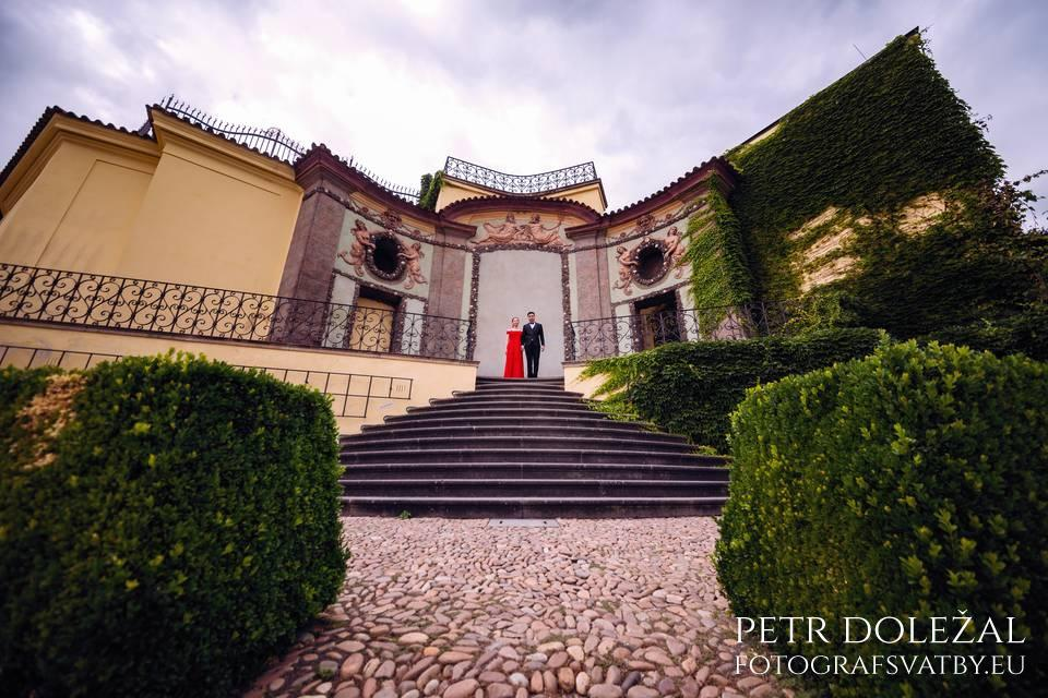 Vrtba Garden in Prague for your Pre Wedding Pictures