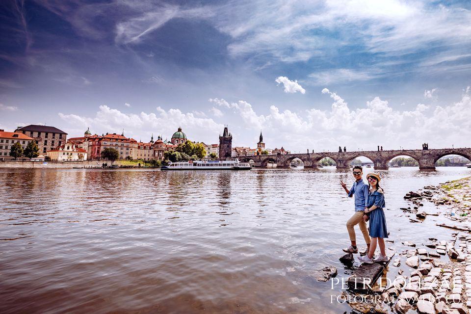 Pre Wedding Photo with Vltava riverside and Charles Bridge in background