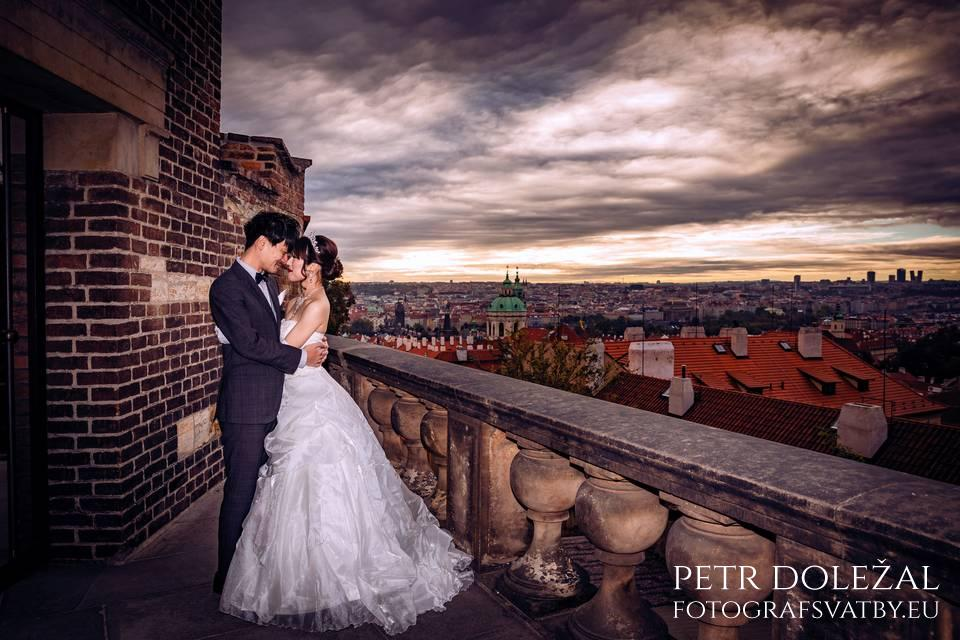 Pre Wedding Photo with Panorama of Prague Roofs from viewpoint in front of Prague Castle