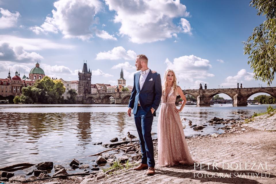 River Vltava and Charles bridge - PreWedding Shoots in Prague