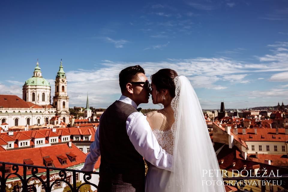 Romantic Vrtba Garden in Prague highly recommended to your Pre Wedding Photos