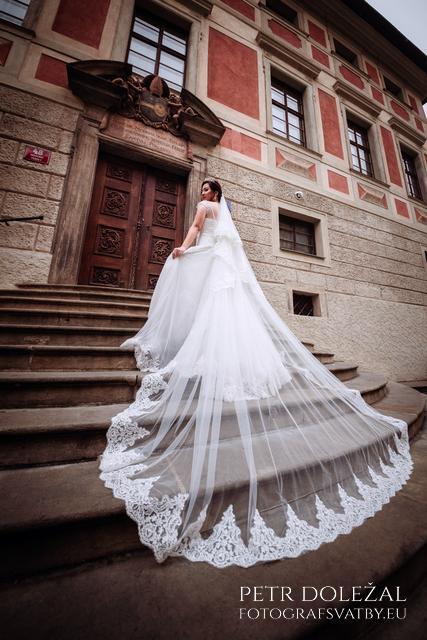 Prague Castle Pre Wedding Photography