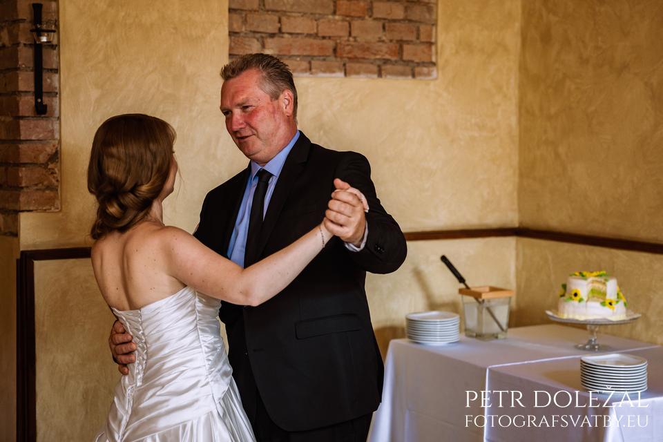 Svatební tanec s rodiči