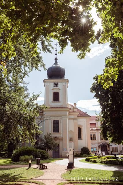 Kostel zámku Loučeň