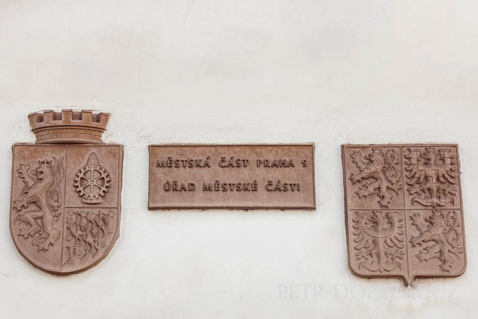 Detail na fasádě Vysočanské radnice