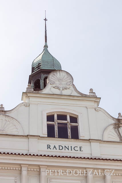 Detail budovy radnice MČ Praha 9