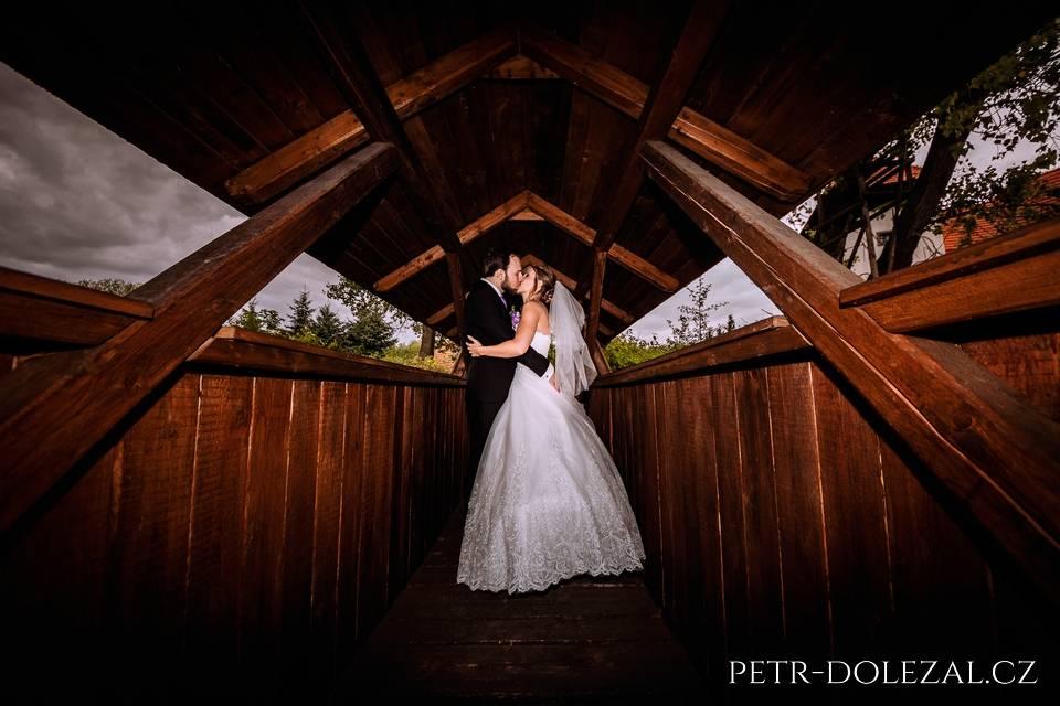 Fotky ze svatby na mostě