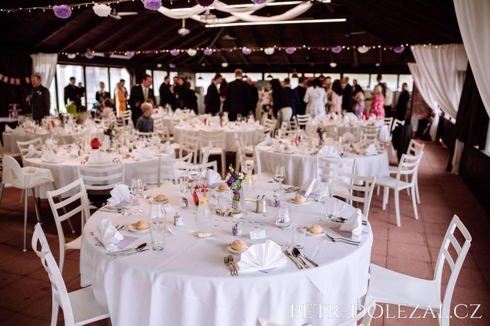 Svatební hostina v Green Valley