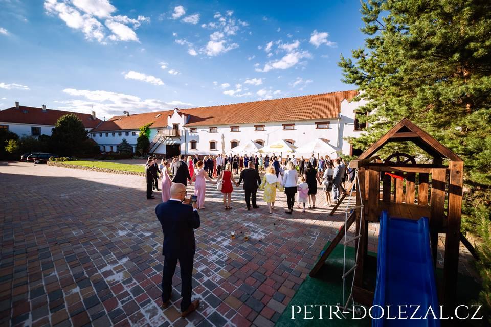 Svatební tanec na Hoffmanově dvoře