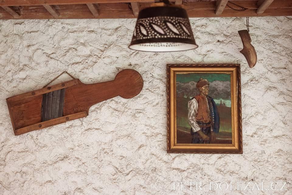 Dekorace pod pergolou Hotelu Selský Dvůr