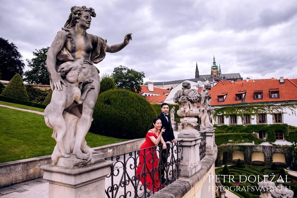 Focení mezi sochami - Vrtbovská zahrada