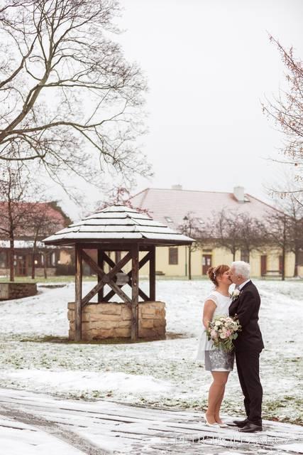 Zámek Chvaly - zimní svatba