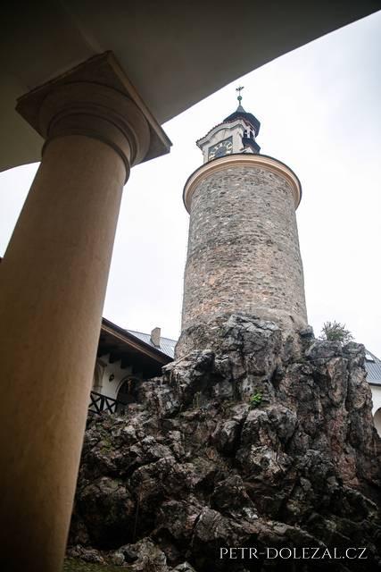 Věž na zámku Zbiroh