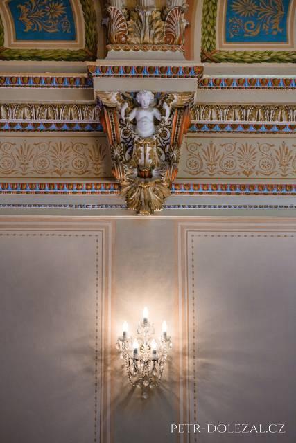 Detail Muchova sálu (Zbiroh)
